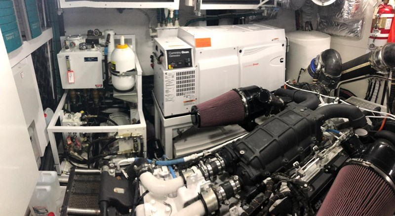PHOTO-2019-03-29-12-58-14_4 2016 PRINCESS YACHTS Princess 88 Motor Yacht 2571094