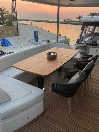 PHOTO-2019-03-29-12-58-20_2 2016 PRINCESS YACHTS Princess 88 Motor Yacht 2571121