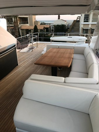 PHOTO-2019-03-29-12-58-20_3 2016 PRINCESS YACHTS Princess 88 Motor Yacht 2571122