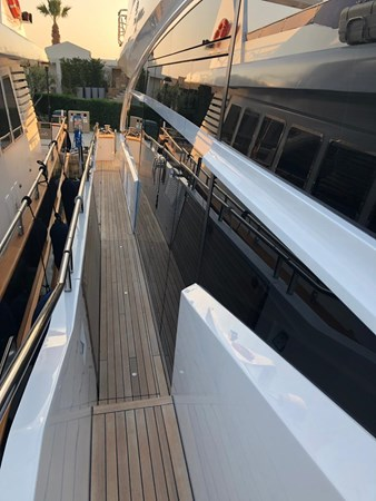 PHOTO-2019-03-29-12-58-23_1 2016 PRINCESS YACHTS Princess 88 Motor Yacht 2571134