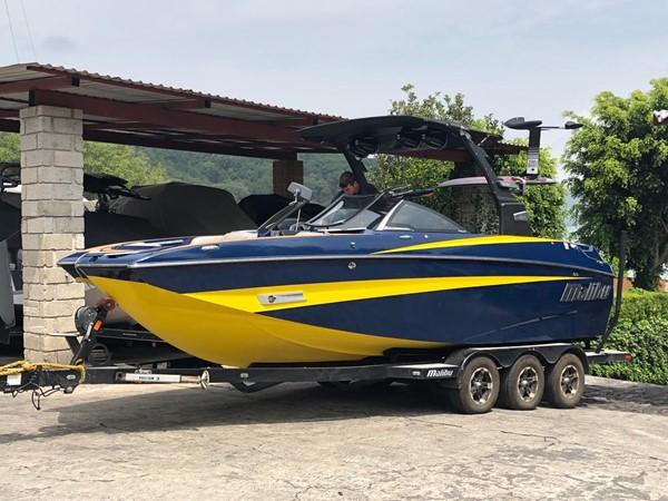 2018 MALIBU M235 Runabout 2566865