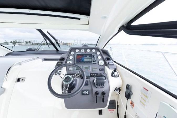 7017779_20190319143424756_1_XLARGE 2013 AZIMUT  Motor Yacht 2699106