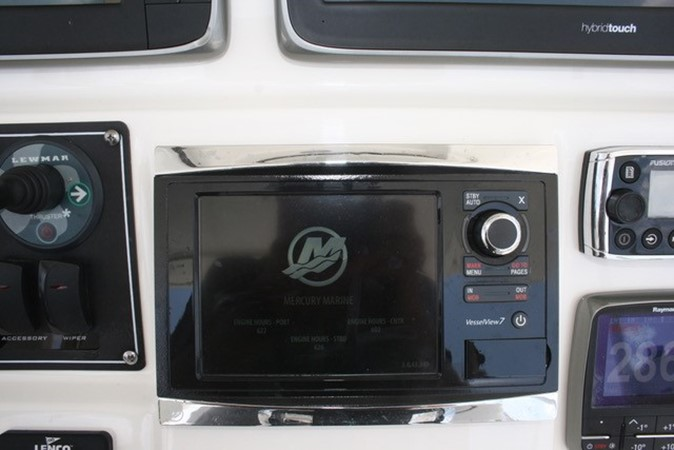 2015 BOSTON WHALER  Center Console 2568549