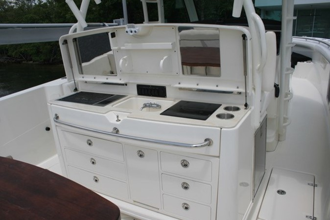 2015 BOSTON WHALER  Center Console 2568565