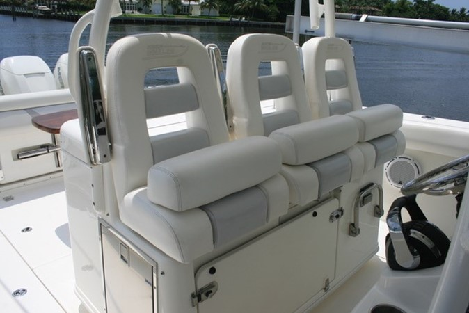 2015 BOSTON WHALER  Center Console 2568573