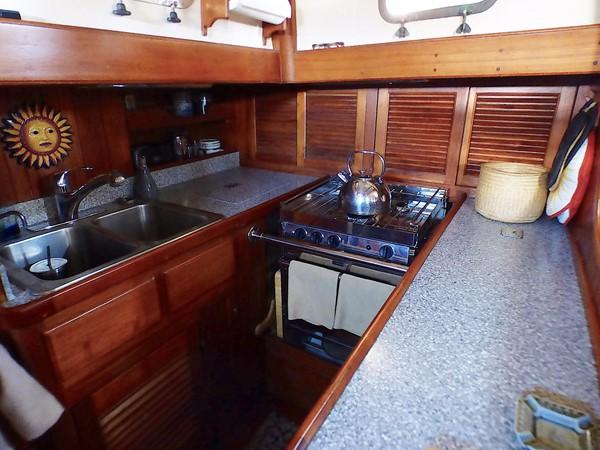 1981 FORMOSA 46 Cutter Center Cockpit Classic Yacht 2569378