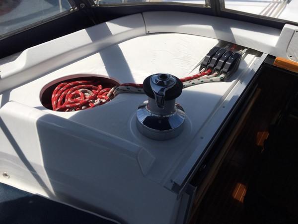 2000 HUNTER 450 Cruising Sailboat 2569415