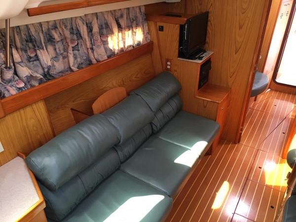 2000 HUNTER 450 Cruising Sailboat 2569429