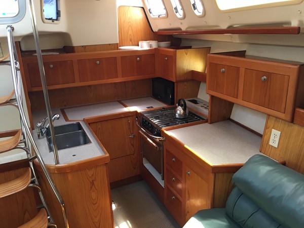 2000 HUNTER 450 Cruising Sailboat 2569435