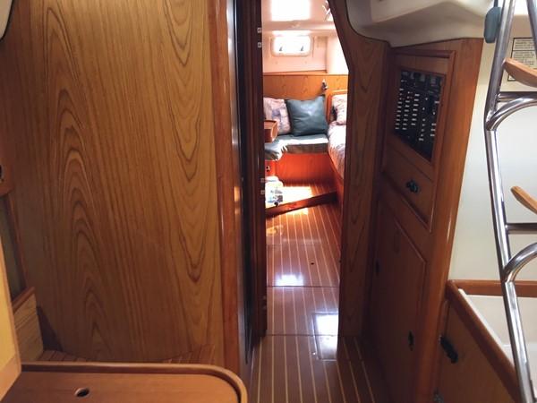 2000 HUNTER 450 Cruising Sailboat 2569437