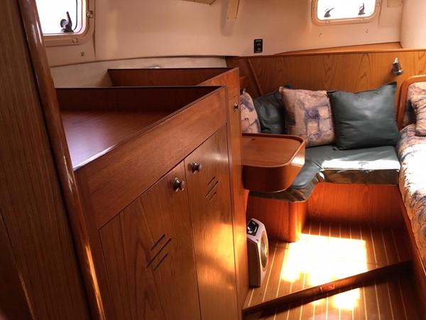 2000 HUNTER 450 Cruising Sailboat 2569438