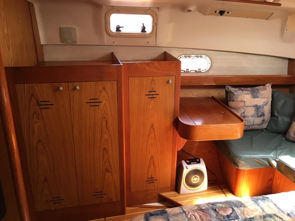 2000 HUNTER 450 Cruising Sailboat 2569440