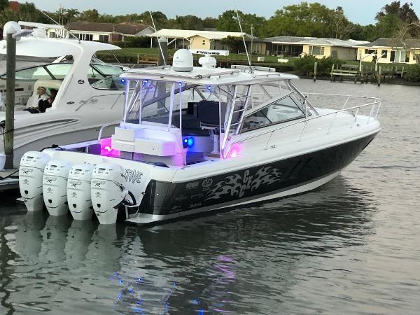 2009 INTREPID 475 Sport Yacht REPOWERED Cruiser 2572196