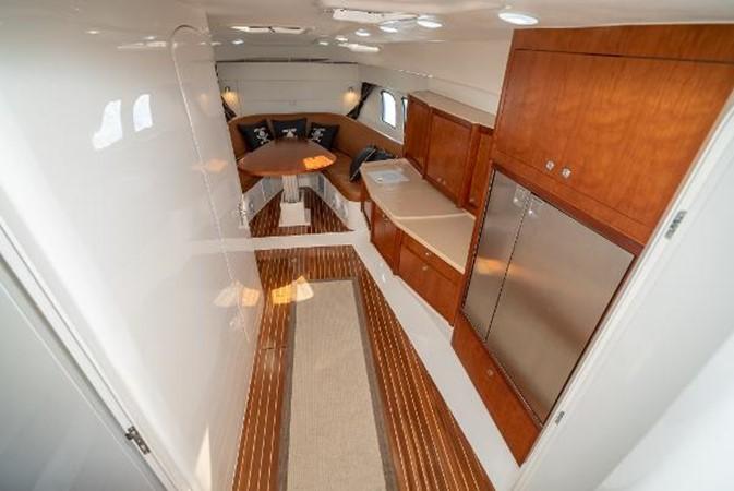 2009 INTREPID 475 Sport Yacht REPOWERED Cruiser 2572211