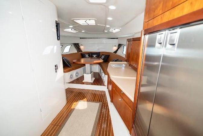 2009 INTREPID 475 Sport Yacht REPOWERED Cruiser 2572212