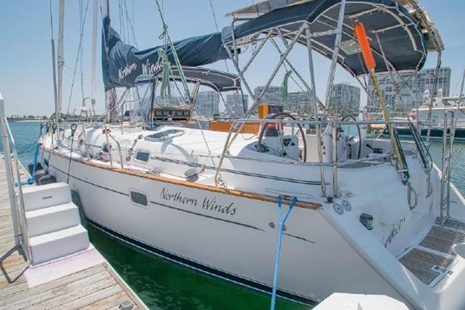 1997 BENETEAU Sloop Cruising Sailboat 2572123