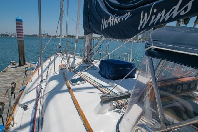 1997 BENETEAU Sloop Cruising Sailboat 2572125