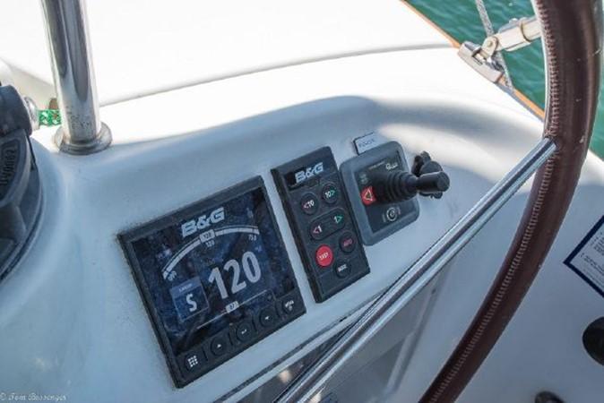 1997 BENETEAU Sloop Cruising Sailboat 2572137