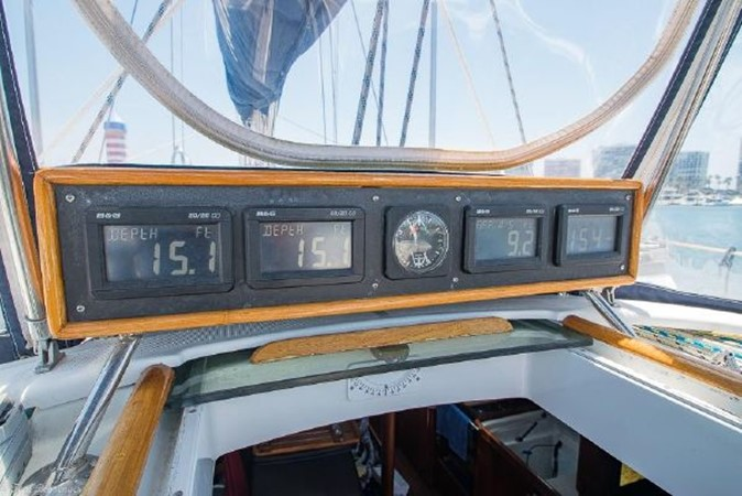 1997 BENETEAU Sloop Cruising Sailboat 2572144