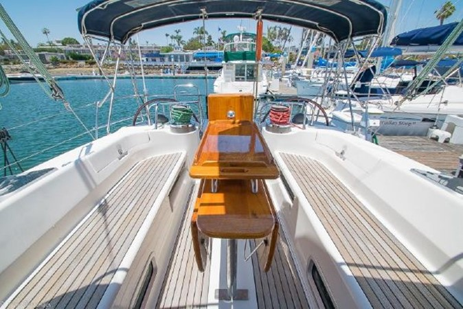 1997 BENETEAU Sloop Cruising Sailboat 2572146
