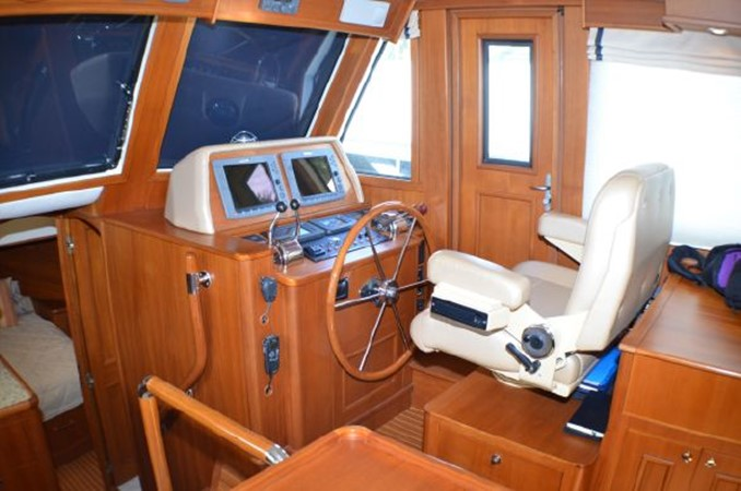 2007 GRAND BANKS 47 Heritage CL Trawler 2573185
