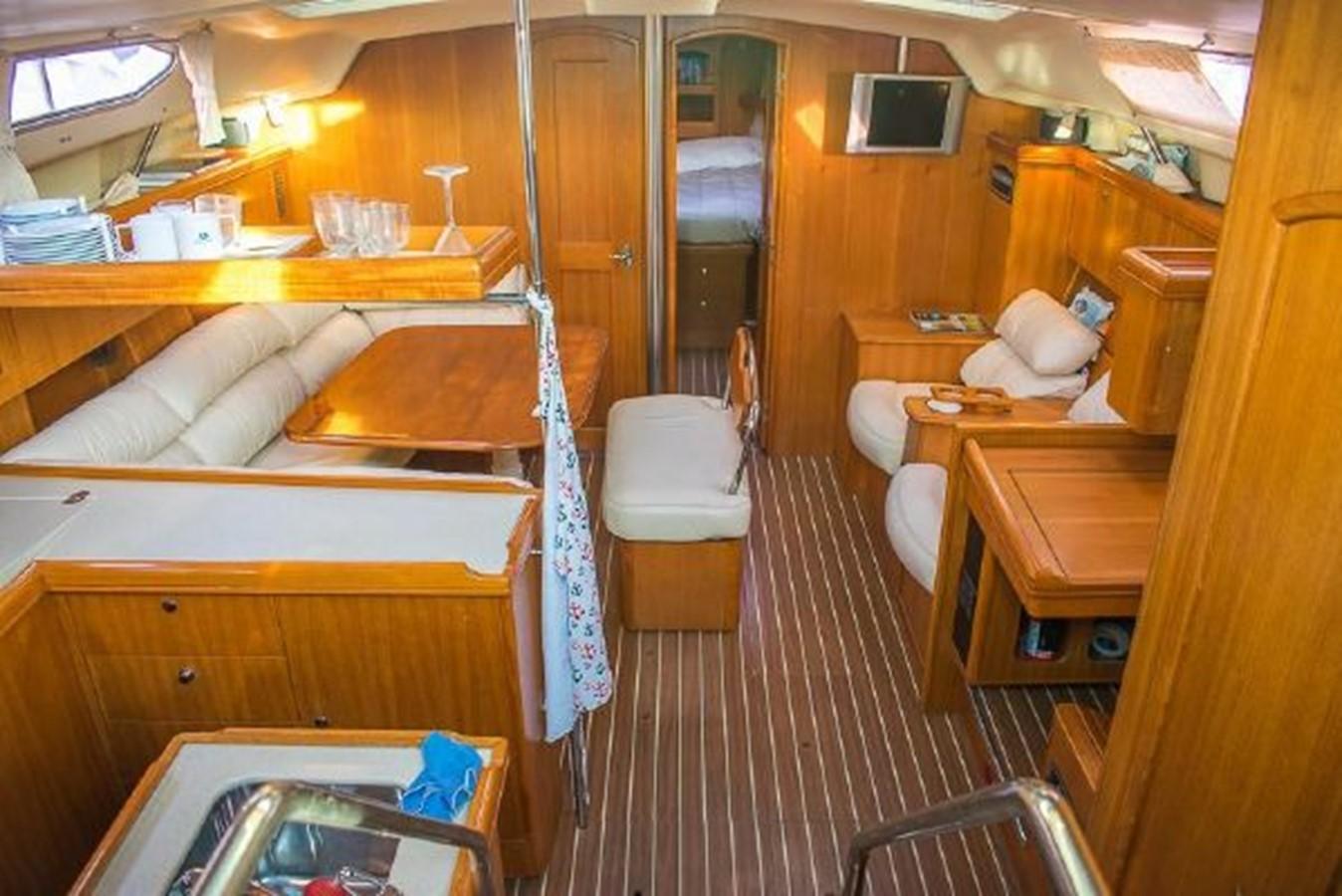 2004 HUNTER 466 Cruising Sailboat 2574004