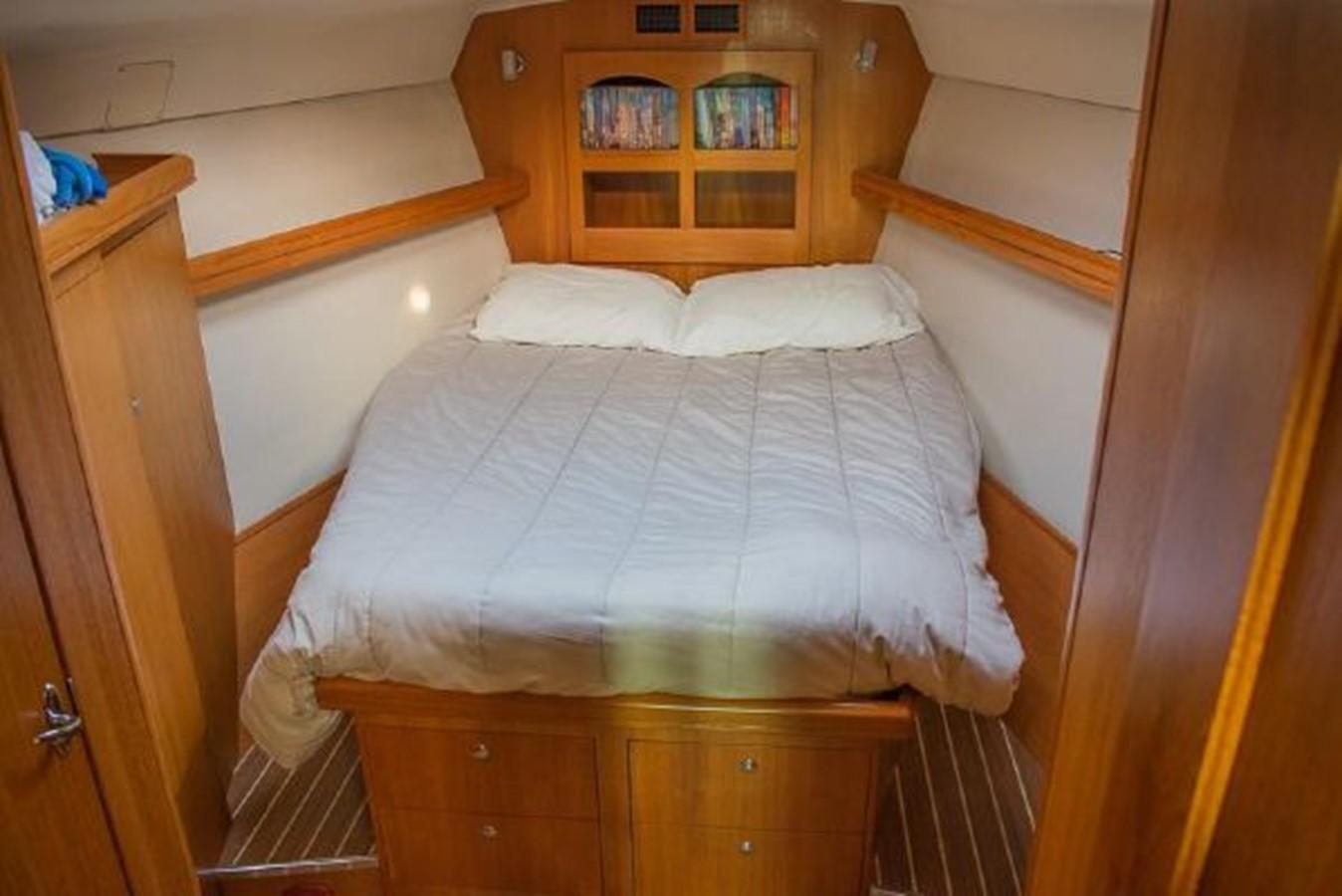 2004 HUNTER 466 Cruising Sailboat 2574008