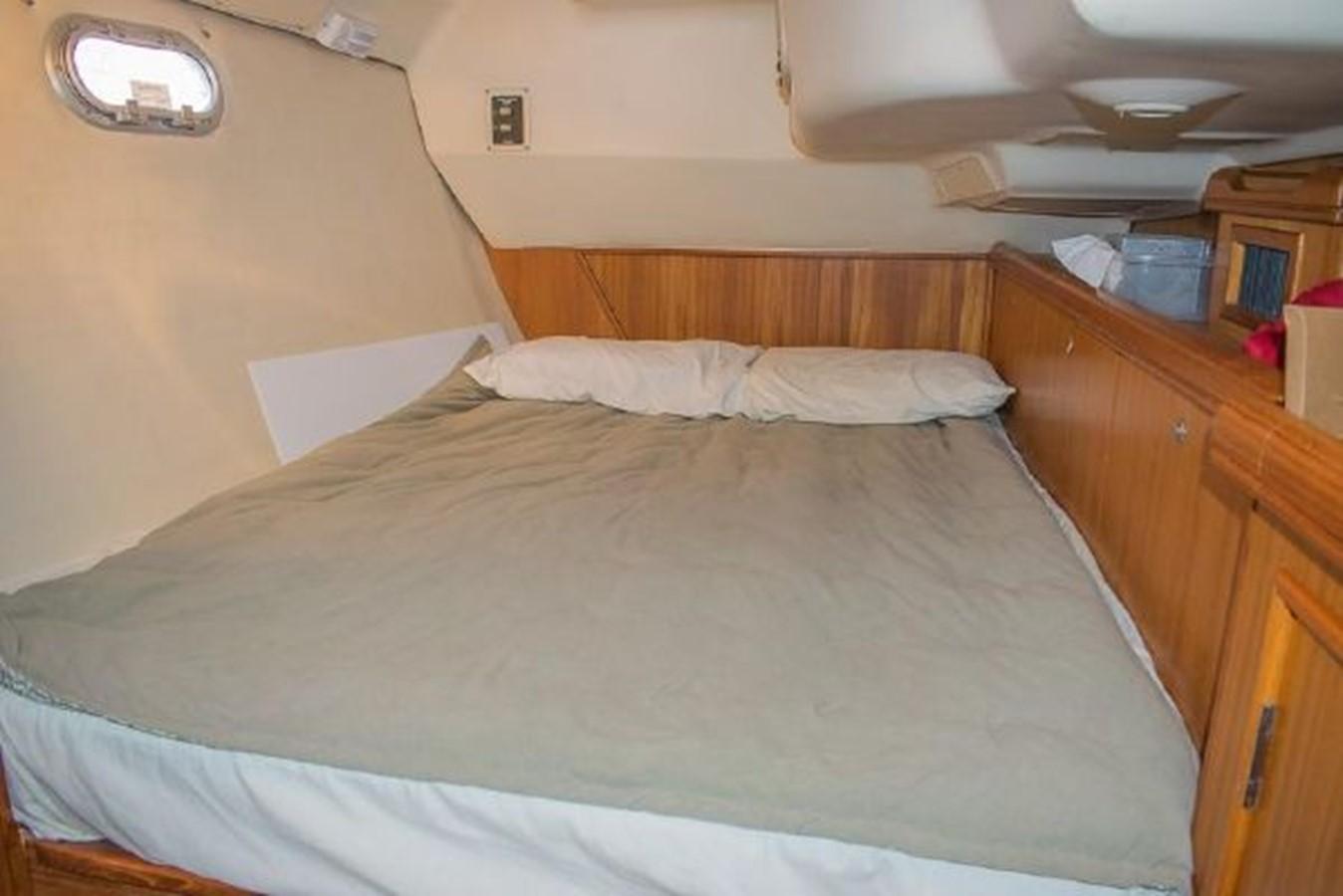 2004 HUNTER 466 Cruising Sailboat 2574017