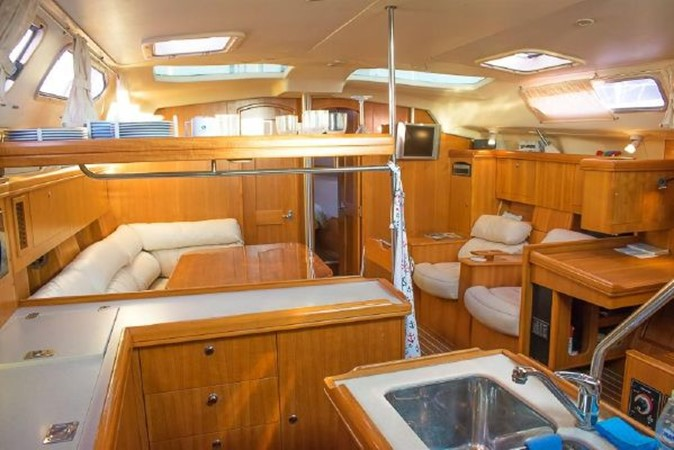 2004 HUNTER 466 Cruising Sailboat 2574015