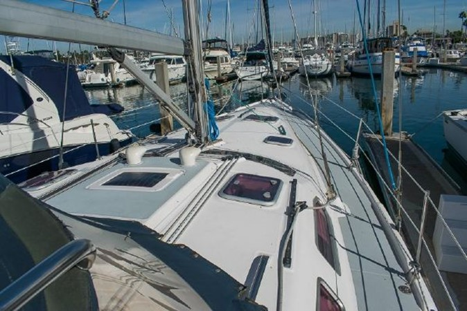 2004 HUNTER 466 Cruising Sailboat 2574028