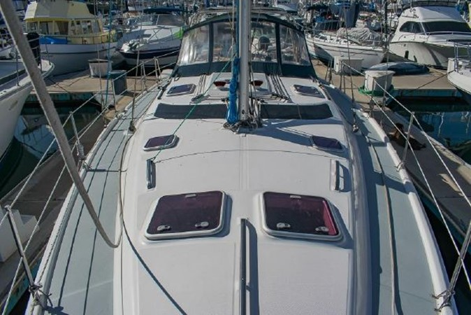 2004 HUNTER 466 Cruising Sailboat 2574029