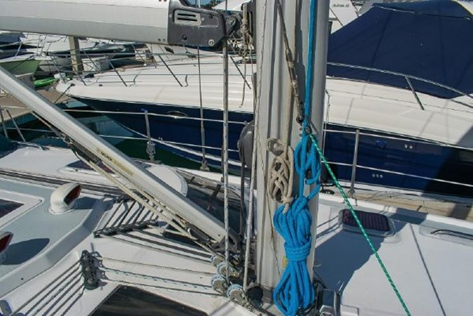 2004 HUNTER 466 Cruising Sailboat 2574030