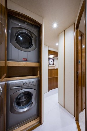 Laundry 2016 VIKING Convertible with Seakeeper Sport Fisherman 2603934