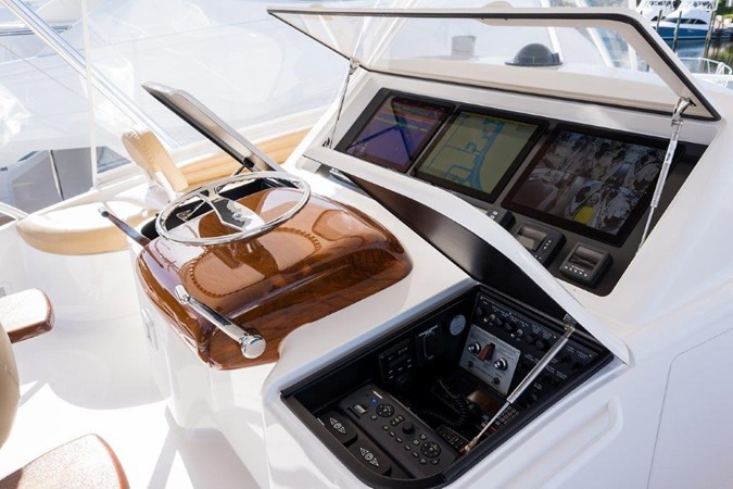 Flybridge 2016 VIKING Convertible with Seakeeper Sport Fisherman 2603949