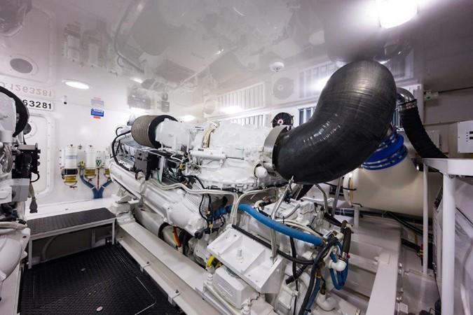 Engine Room 2016 VIKING Convertible with Seakeeper Sport Fisherman 2603959