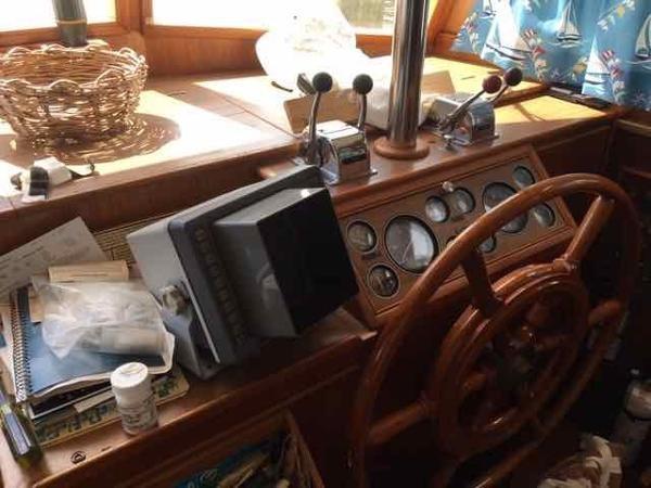 1989 GRAND BANKS 42 Classic Trawler 2576959