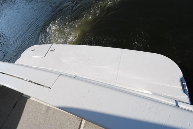 Swim Platform 2010 SILVERTON 38 Sport Bridge Cruiser 2578525