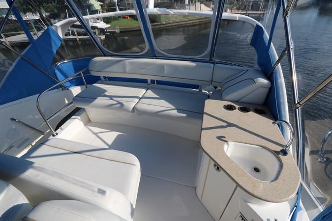 Seating 2010 SILVERTON 38 Sport Bridge Cruiser 2578530