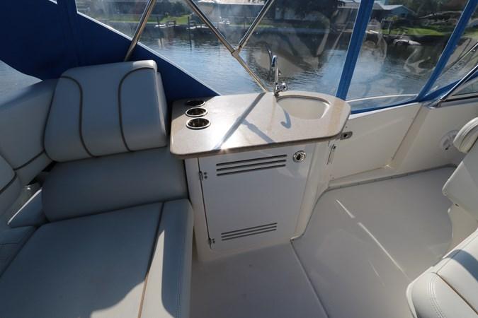 Wetbar 2010 SILVERTON 38 Sport Bridge Cruiser 2578531