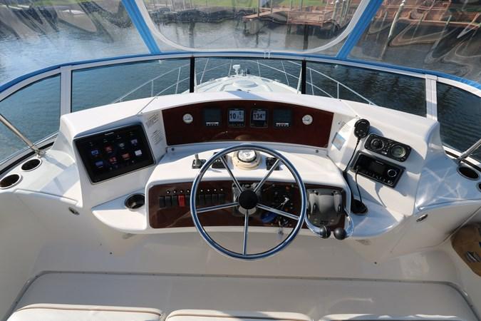 Helm 2010 SILVERTON 38 Sport Bridge Cruiser 2578533