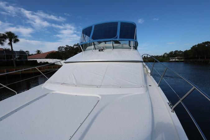 Bow 2010 SILVERTON 38 Sport Bridge Cruiser 2578538