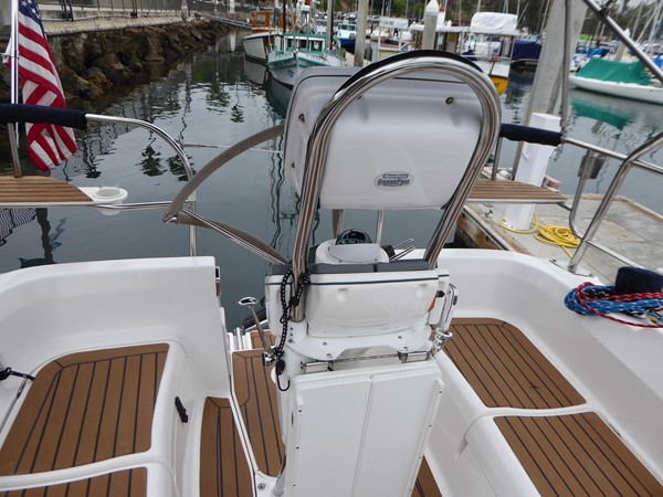 Satisfaction 2007 HUNTER 31 Cruising Sailboat MLS #256086 | CYBA Yachts For  Sale