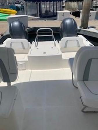 2017 WORLD CAT 230 DC Catamaran 2579430