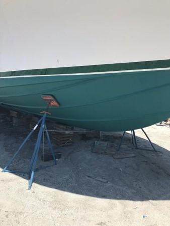 1981 BERTRAM Flush Deck Motor Yacht 2579773