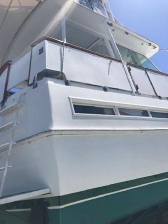1981 BERTRAM Flush Deck Motor Yacht 2579776