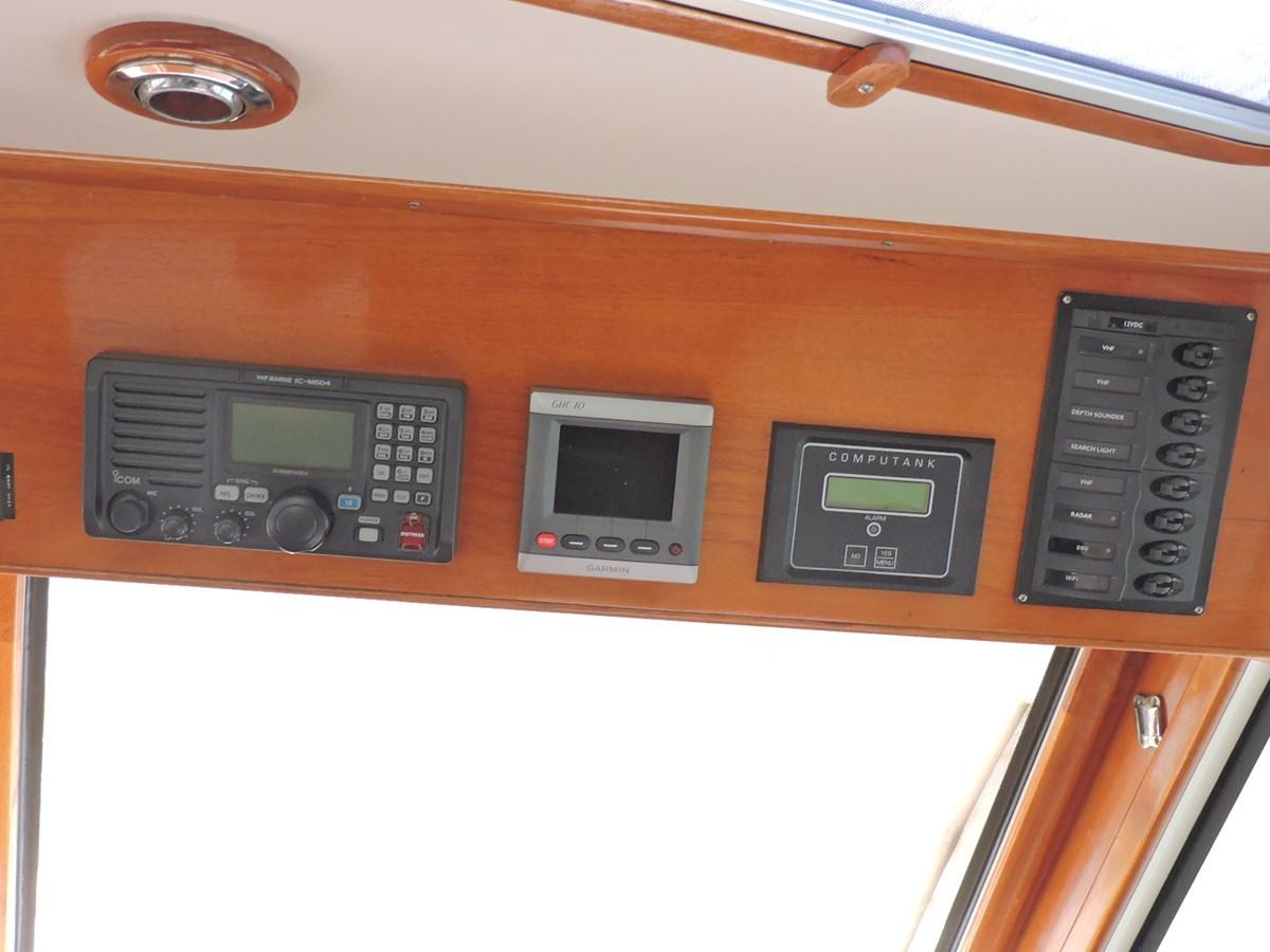 Electronics 2005 GRAND BANKS EASTBAY 49 Cruiser 2582463