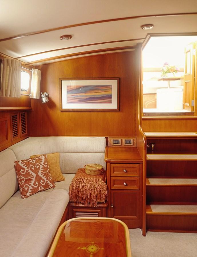 Lower Salon 2005 GRAND BANKS EASTBAY 49 Cruiser 2582473