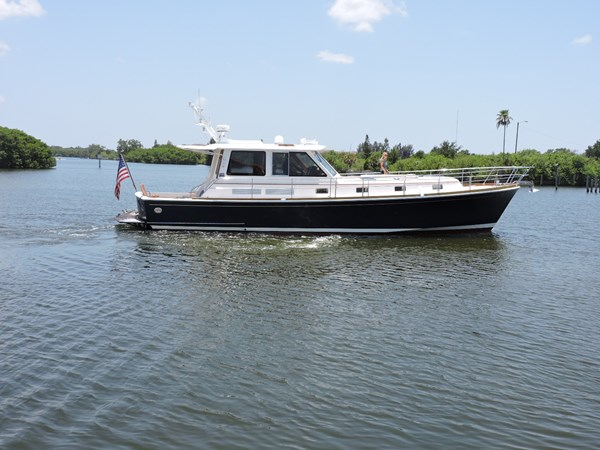 Starboard Profile 2005 GRAND BANKS EASTBAY 49 Cruiser 2582229