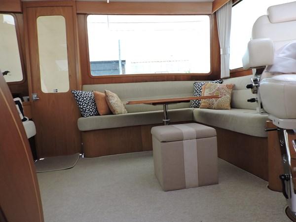 Upper Salon 2005 GRAND BANKS EASTBAY 49 Cruiser 2582464