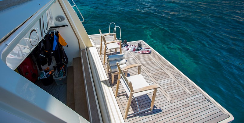 Malvasia bathing Platform 2008 FERRETTI CUSTOM LINE Custom Line Navetta 26 Motor Yacht 2583375